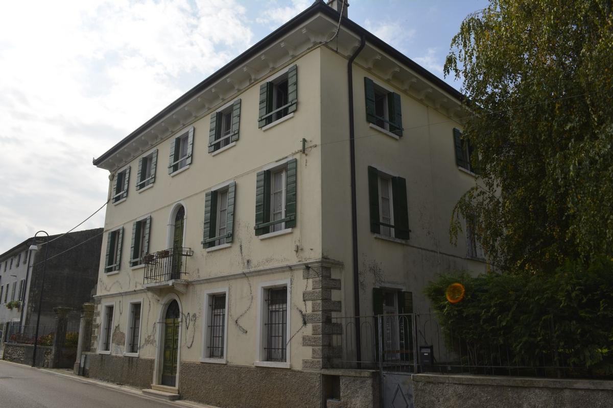 Stabile, Palazzo AFFI - PALAZZETTO STORICO in Vendita Affi  - Eurogarda